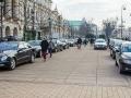 Na chwilę przed rozpoczęciem obchodów rocznicy parking zapełnił się limuzynami dyplomatów