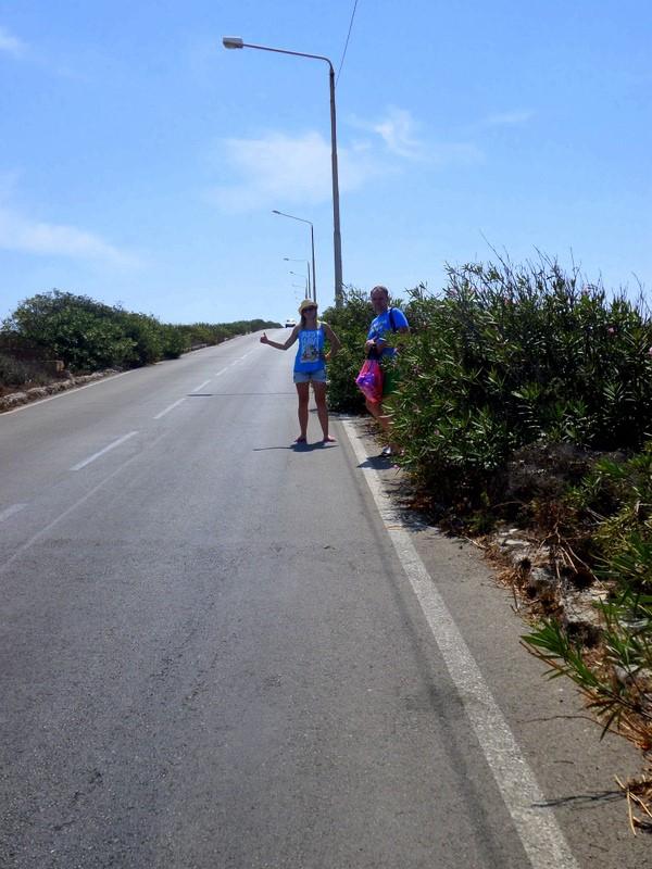 Droga z przystanku Musa do Paradise Bay