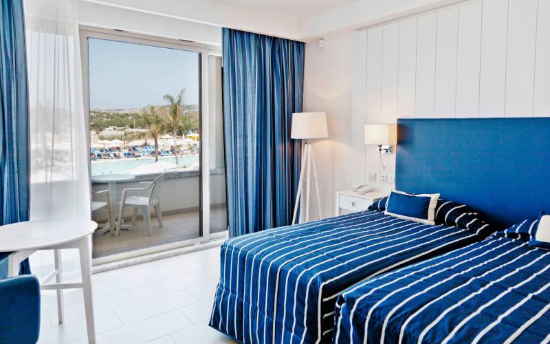 db sea bank resort malta