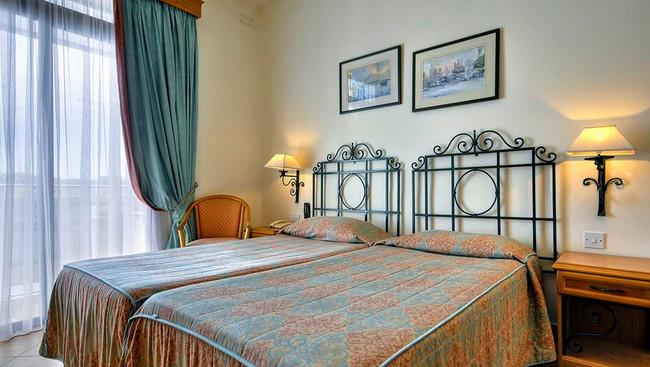 kennedy nova hotel malta