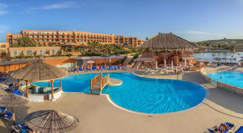 Paradise Bay Hotel - room photo 4932202