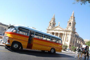 autobusy malta